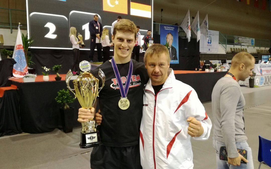 Roman Bründl gewinnt EM Gold in Leichtkontakt